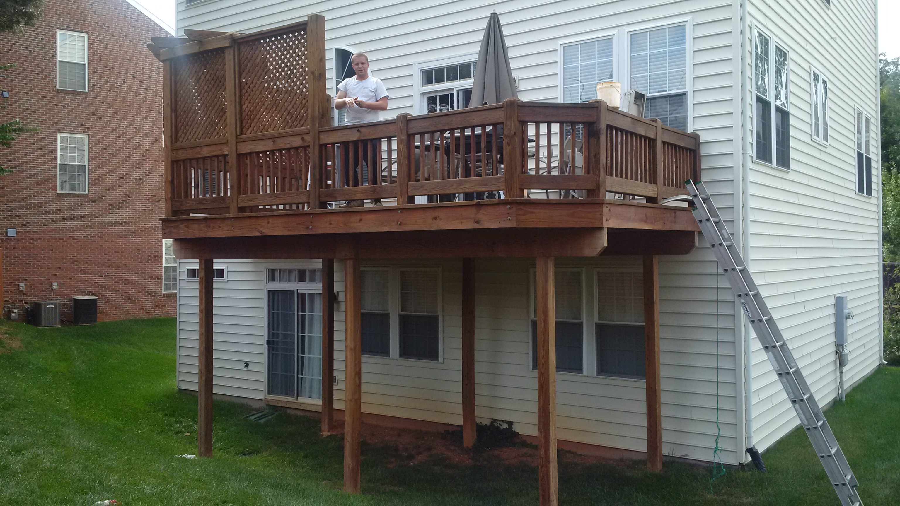Deck Pressure Wash and Staining